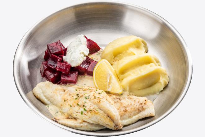 Філе Сібаса з картопляним пюре, буряком, соусом