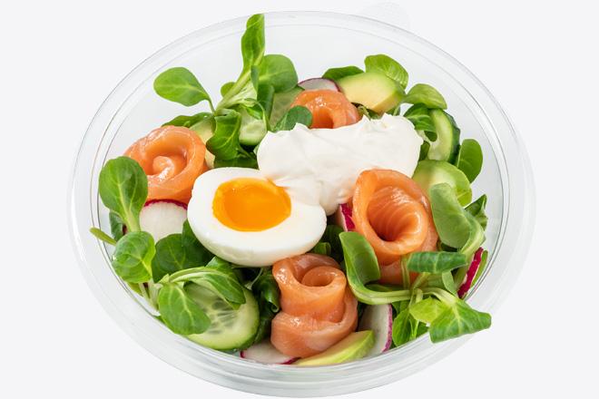 Фото Блюдо Салат Скандинавский с лососем и яйцом су-вид