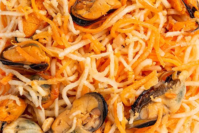 Фото Салат мідія маринована з селерою та морквою