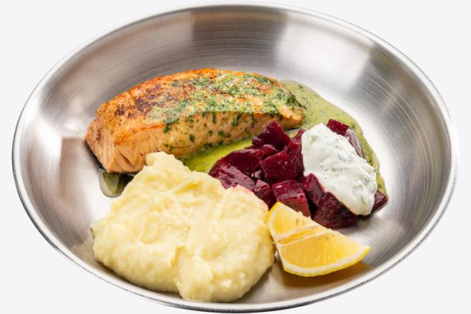 Фото Страва Лосось з картопляним пюре, буряком та соусом
